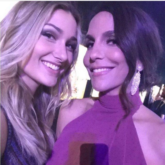 Sasha e Ivete Sangalo em selfie juntinhas direto do jantarhellip